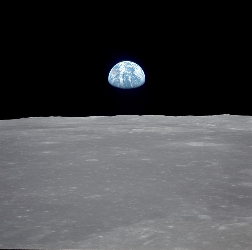 La Terre vue depuis la Lune, photographiée lors de la mission Apollo11, le16juillet1969 © Nasa / Akg-images