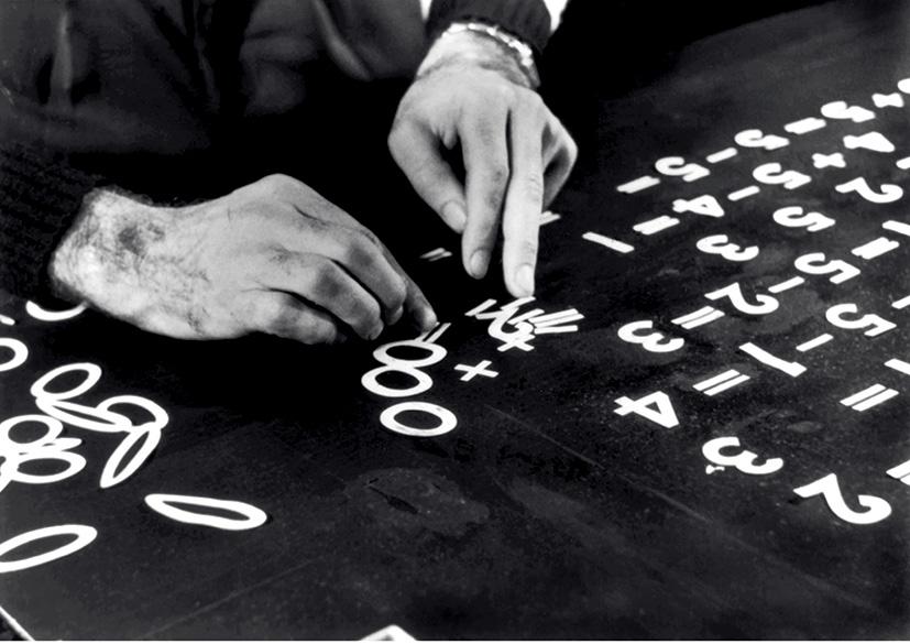 Banc-titre du réalisateur d'animation NormanMcLaren (1914-1987) © Collection Christophel