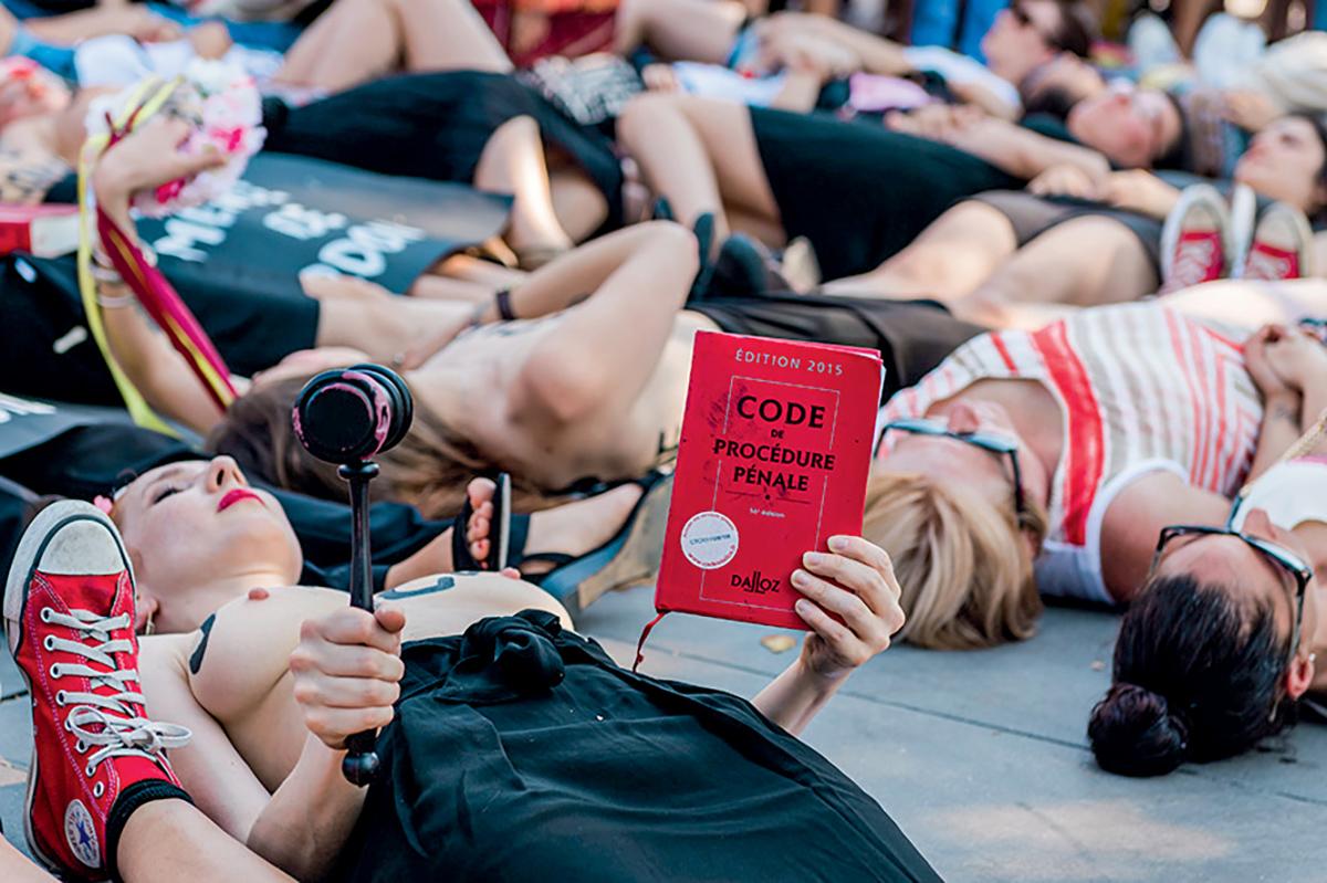 Un rassemblement contre lesviolences faites aux femmes sur la place de la République, Paris, 6 juillet 2019 © Karine Pierre / hanslucas.com