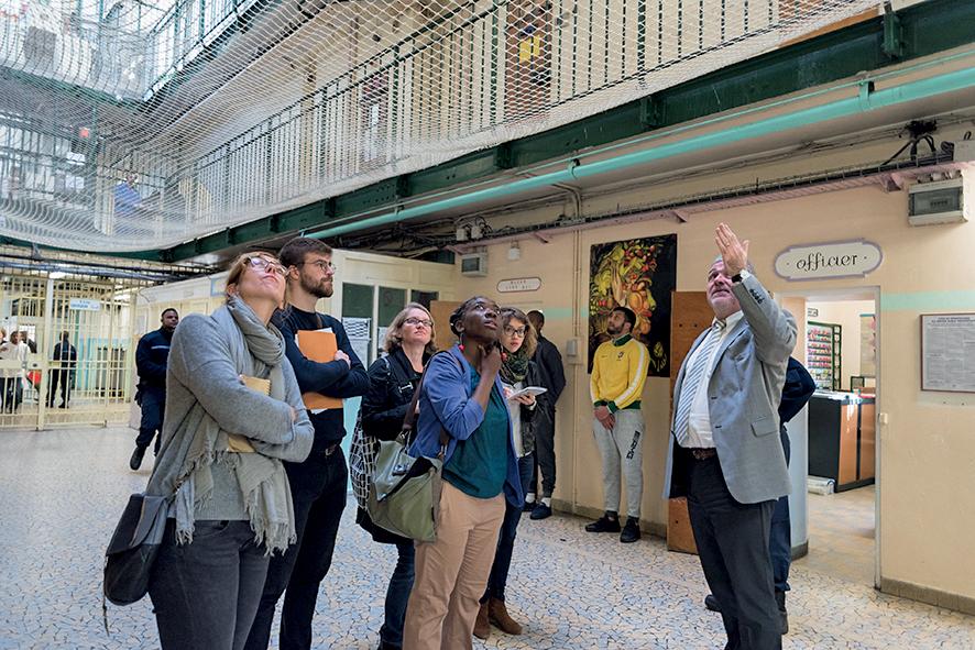 Visite de la députée DanièleObono à la maison d'arrêt de Fresnes, 20octobre 2017 © Constance Decorde / hanslucas.com