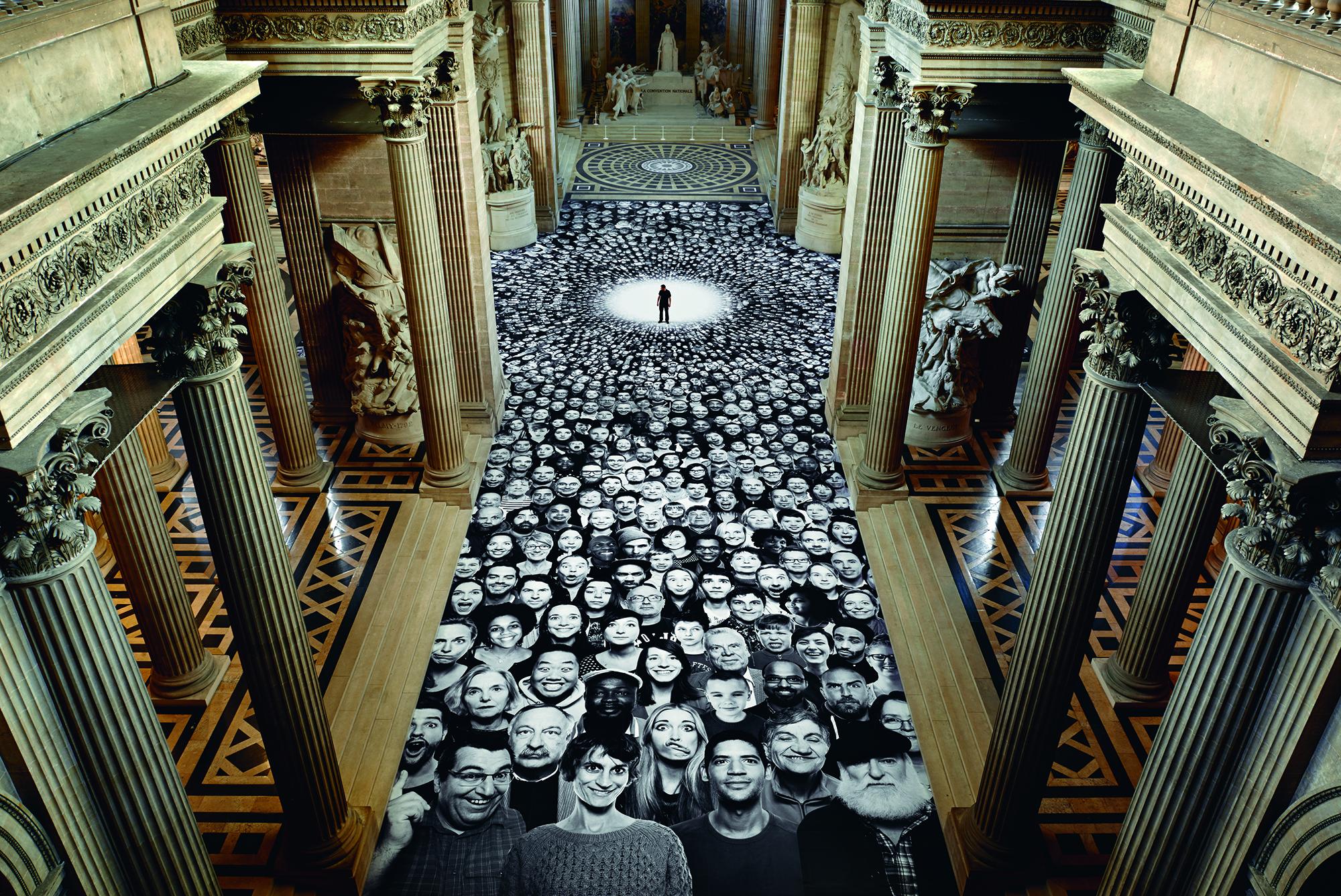 Projet Inside Out, Au Panthéon !, 2014  © JR